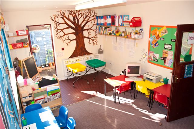 Pre school tiny town nursery for Art room decoration school